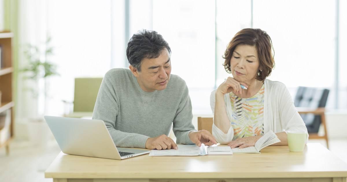 「掛け捨て型」と「貯蓄型」、どちらの生命保険を選ぶべき?